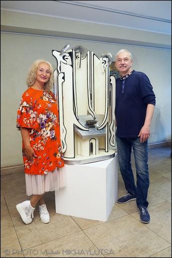 """C 14 по 28 июля  в галерее """"Мастер"""" открыта выставка """"Планета Б""""."""
