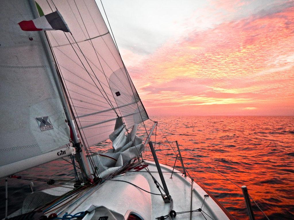 Яхтсменка года - Ирина Грачева на яхте под парусом в одиночку пройдет Атлантический океан.