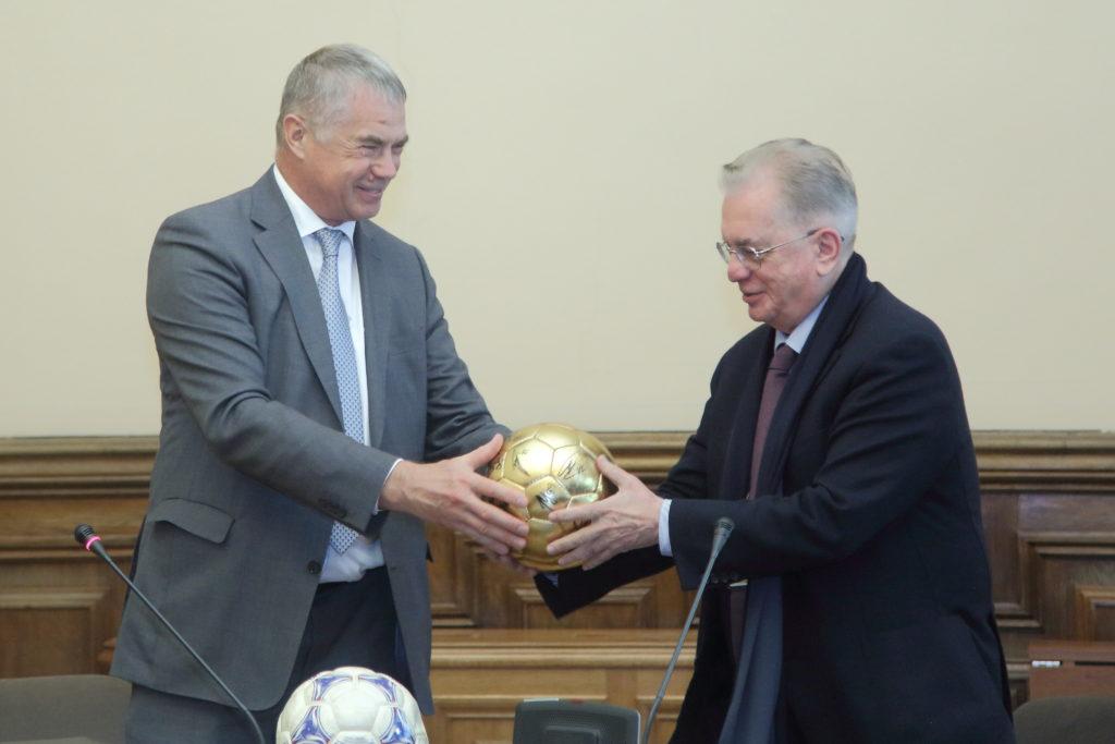 Подписание соглашения о сотрудничестве между Государственным Эрмитажем и футбольным клубом «Зенит».