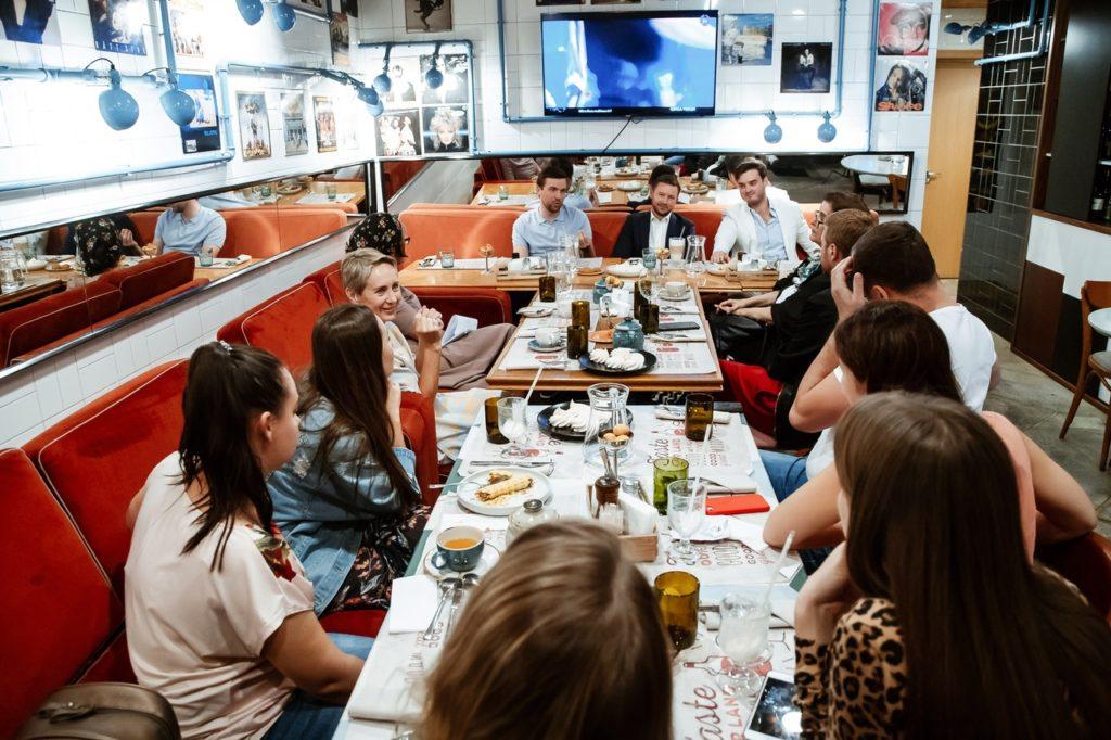 29 августа прошел Public Talk с хирургами «Композит» в ресторане «Пряности&Радости».