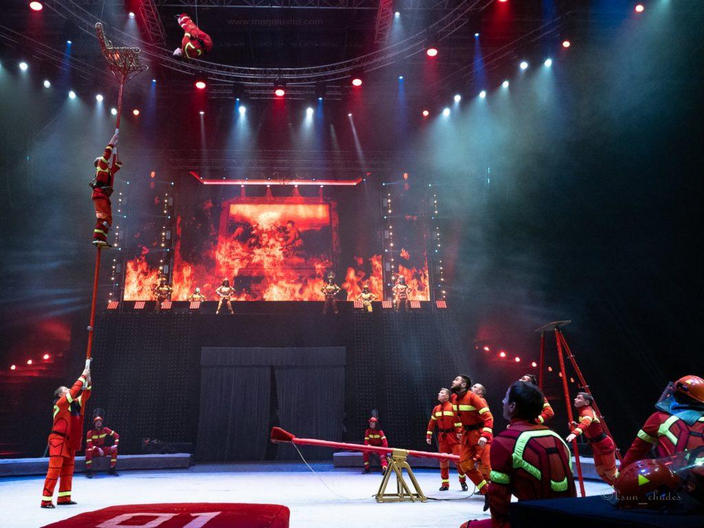 «Инопланетный цирк OFU. Приземление» в постановке братьев Запашных.