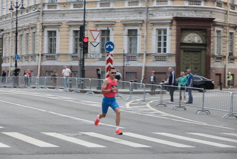 Восемь тысяч петербуржцев присоединились к участию во Всероссийском «ЗаБеге»