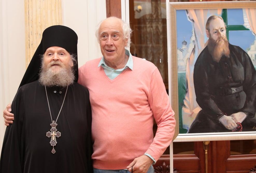 В ТЕАТРЕ ИМЕНИ ЛЕНСОВЕТА - выставка живописи «Исцеление реализмом»