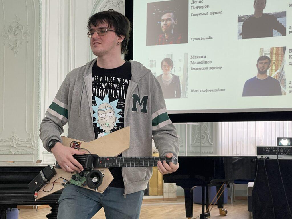 Денис Гончаров и Максим Мяков - молодые стартаперы